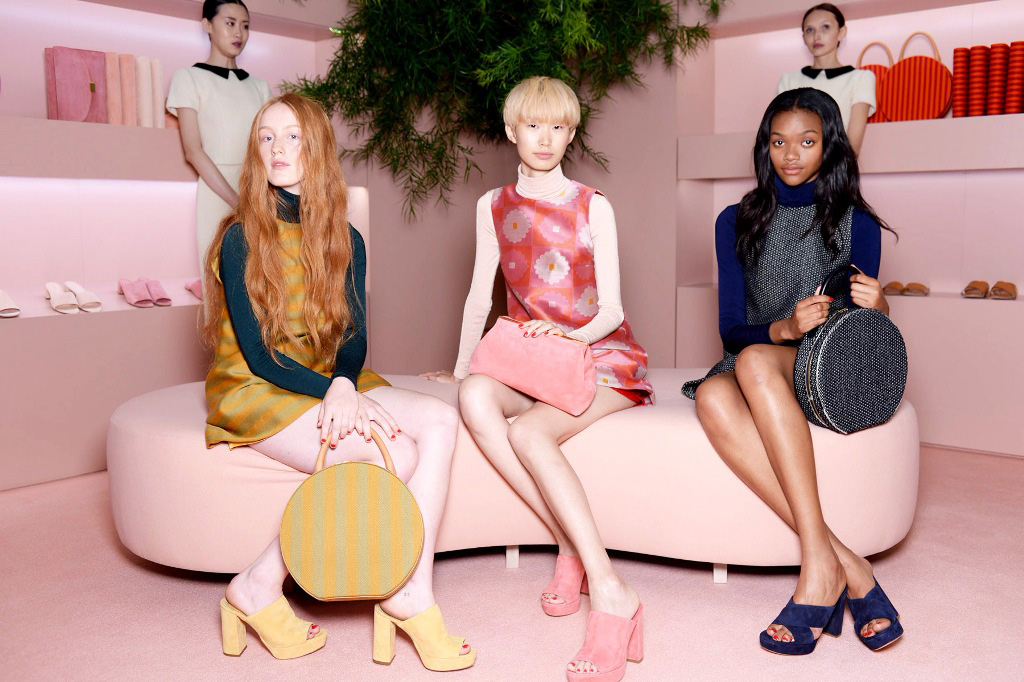 Shop girls and their clients at Mansur Gavriel SS16